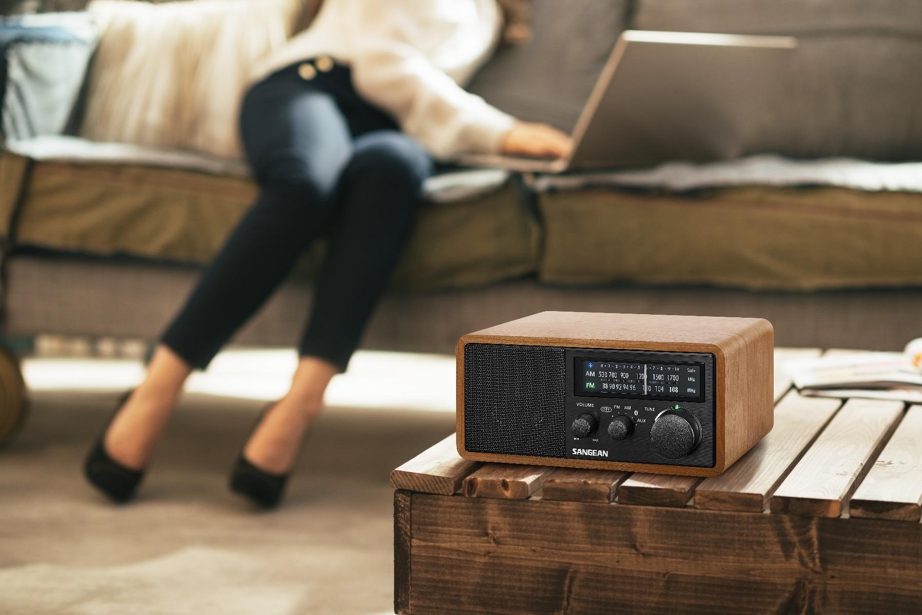 Retro tafelradio met AM, FM en Bluetooth Sangean WR-11BT+